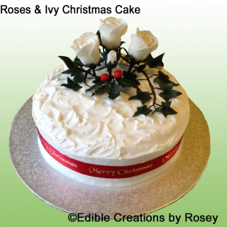 Christmas cake - roses & ivy