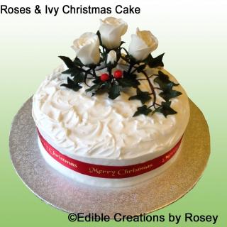 Christmas cake - roses & ivy