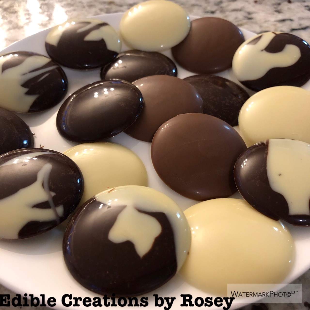 Large-chocolate-buttons
