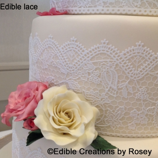 Edible lace and roses